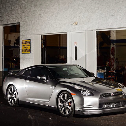 Instagram tips for auto: Tag and geotag your posts - Nissan GTR