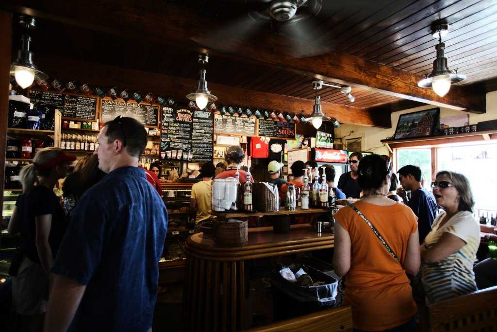 5 Networks Your Bar Should Be On: Yelp